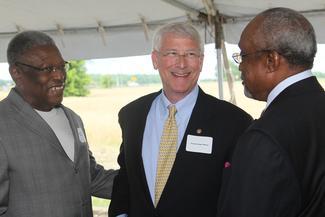 Sen. Wicker at the groundbreaking ceremony for the Delta Health Center